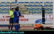 Tarjeta amarilla a Richard tras cometer el penalty