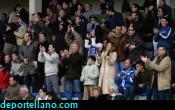 Los afiionados celebrando la parada de Rojas en el penalty