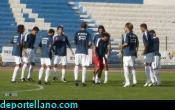 z- Los jugadores calientan antes del encuentro